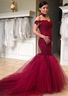Trumpet/Mermaid Off-The-Shoulder Sleeveless Court Train Tulle Wedding Dress With Appliqued Lace
