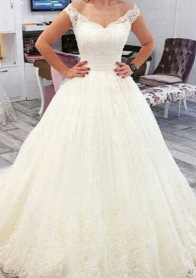 Ball Gown Off-The-Shoulder Sleeveless Court Train Lace Wedding Dress With Appliqued