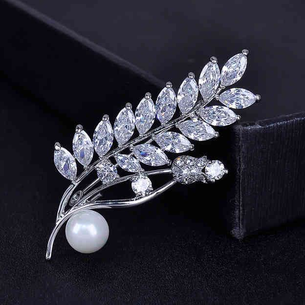 Women's Exquisite Silver Brooches With Cubic Zirconia/Imitation Pearls