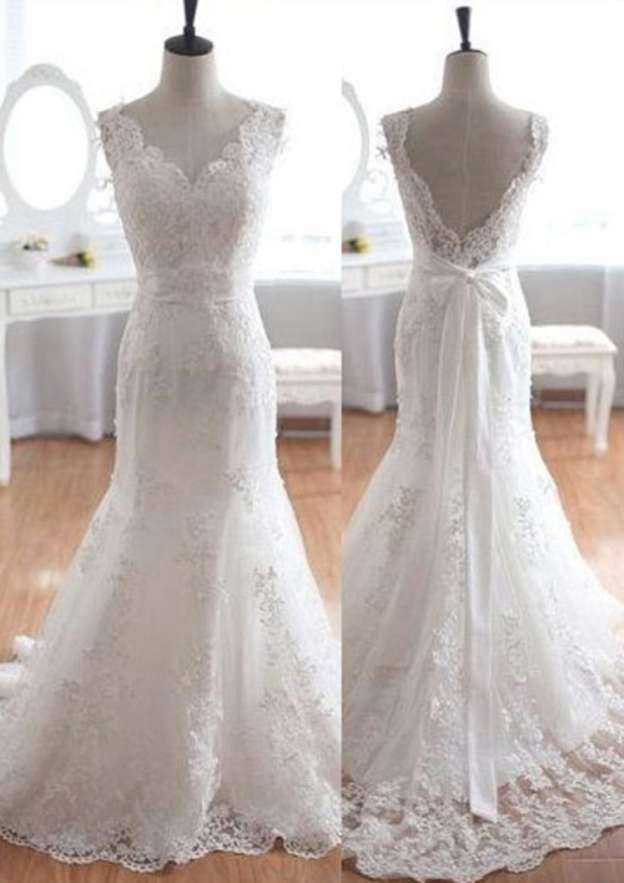 Sheath/Column Scalloped Neck Sleeveless Court Train Lace Wedding Dress With Appliqued Bowknot Sashes