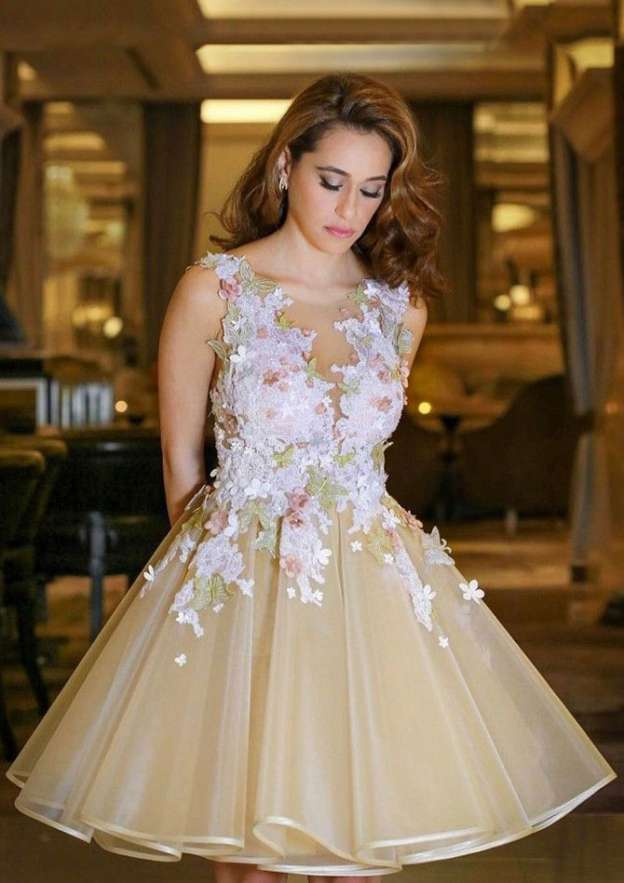 A-Line/Princess Scoop Neck Sleeveless Short/Mini Organza Homecoming Dress With Flowers