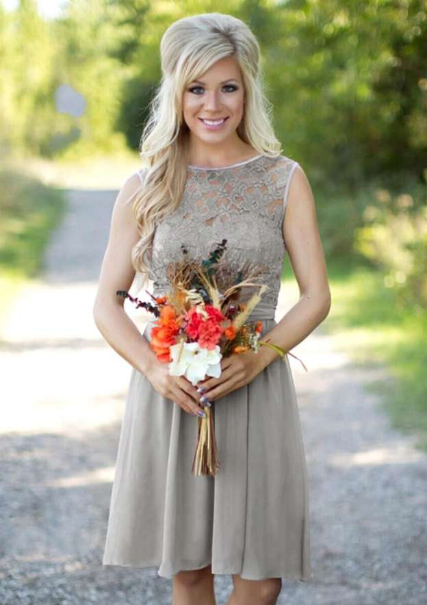A-Line/Princess Bateau Sleeveless Knee-Length Chiffon Bridesmaid Dress With Lace Sashes