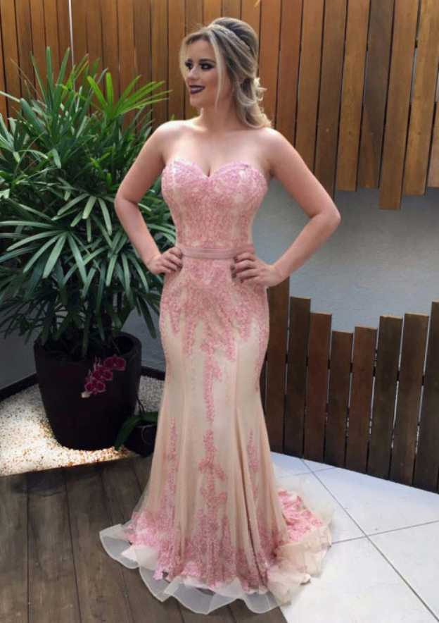 Sheath/Column Sweetheart Sleeveless Sweep Train Tulle Prom Dress With Appliqued