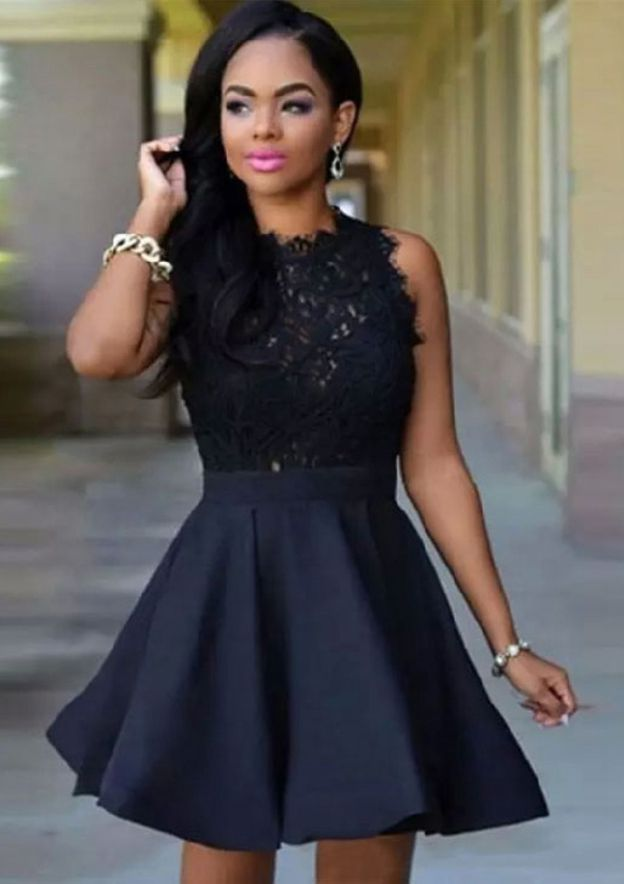A-Line/Princess Scoop Neck Sleeveless Short/Mini Elastic Satin Homecoming Dress With Lace