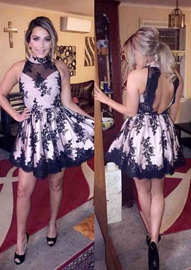 A-Line/Princess High-Neck Sleeveless Short/Mini Lace Homecoming Dress With Pleated