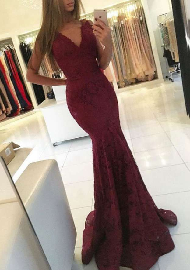 Trumpet/Mermaid V Neck Sleeveless Sweep Train Lace Prom Dress