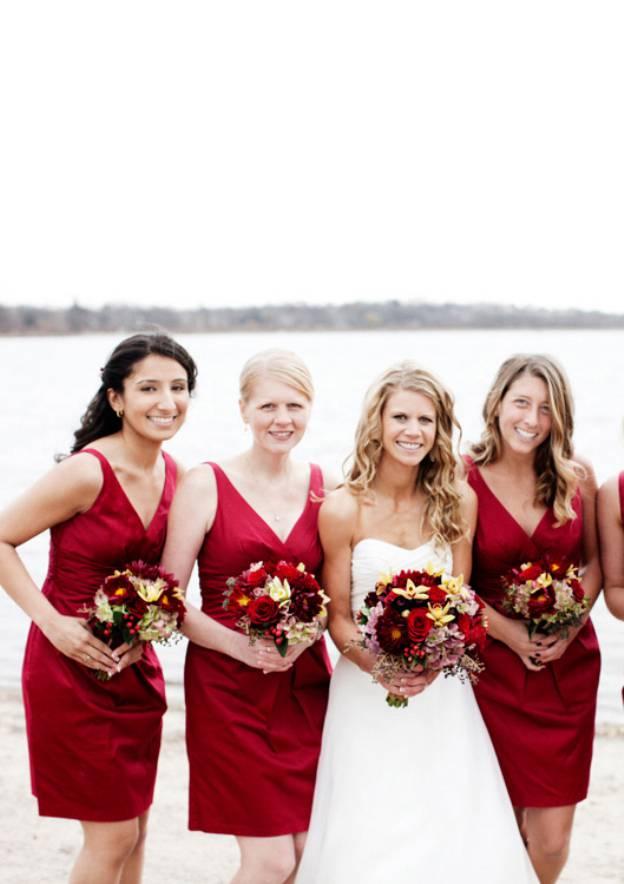 Sheath/Column V Neck Sleeveless Short/Mini Satin Bridesmaid Dresses With Pleated