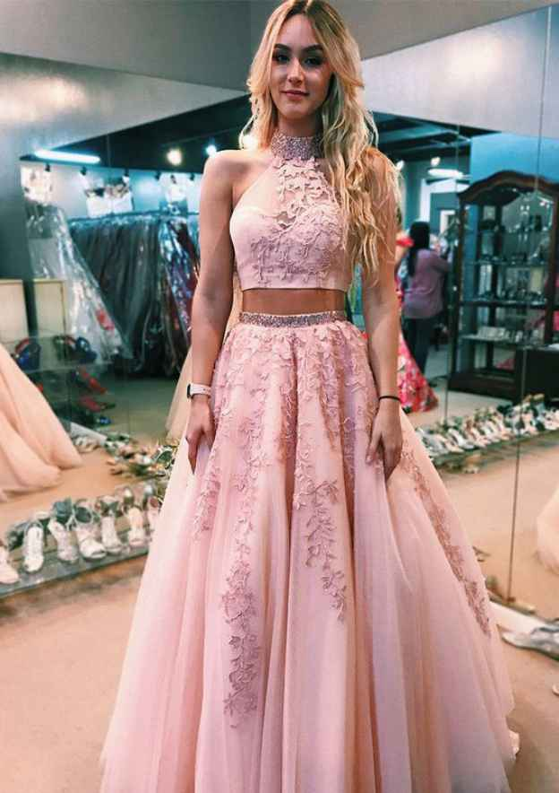 Ball Gown High-Neck Sleeveless Court Train Tulle Prom Dress With Beading Appliqued