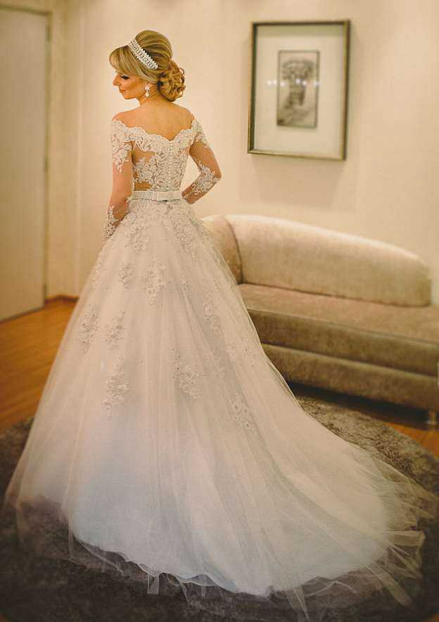 Ball Gown Off-The-Shoulder Full/Long Sleeve Chapel Train Tulle Wedding Dress With Appliqued Beading Waistband