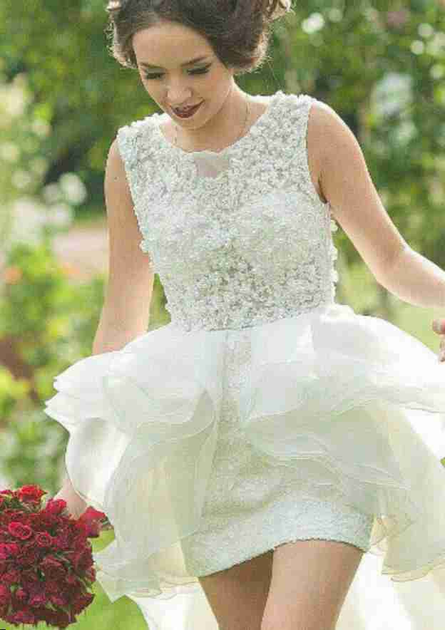 A-Line/Princess Bateau Sleeveless Asymmetrical Organza Wedding Dress With Beading Lace