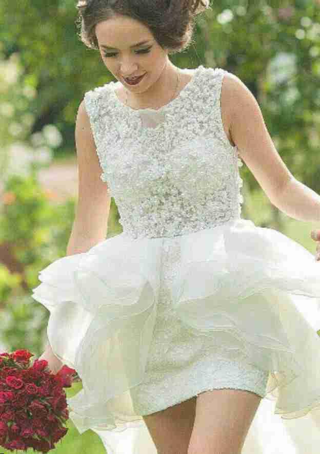 A-Line/Princess Bateau Sleeveless Asymmetrical Organza Wedding Dress With Beading Lace
