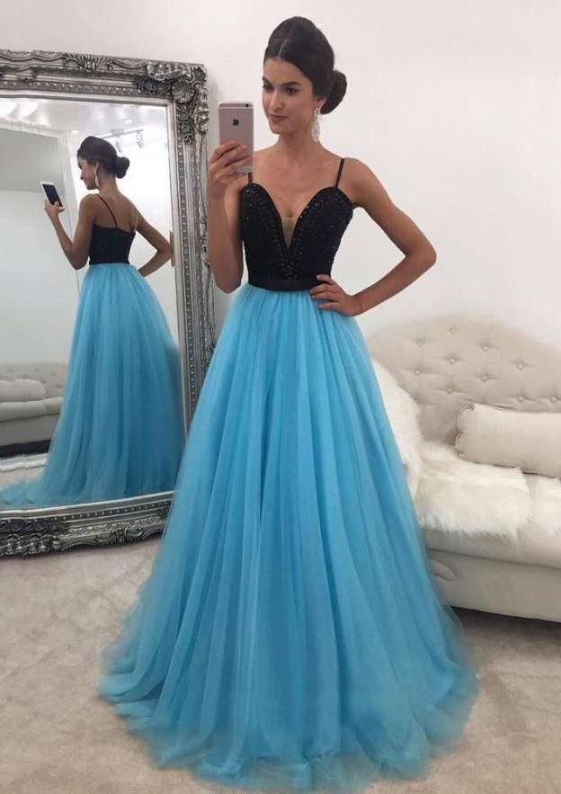 A-Line/Princess Sweetheart Sleeveless Sweep Train Tulle Prom Dress With Beading