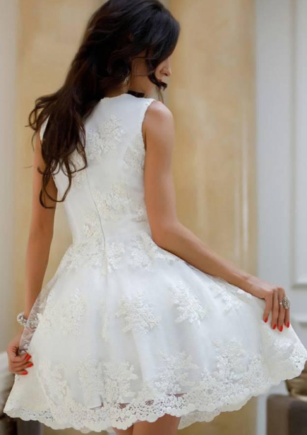 A-Line/Princess V Neck Sleeveless Short/Mini Lace Prom Dress