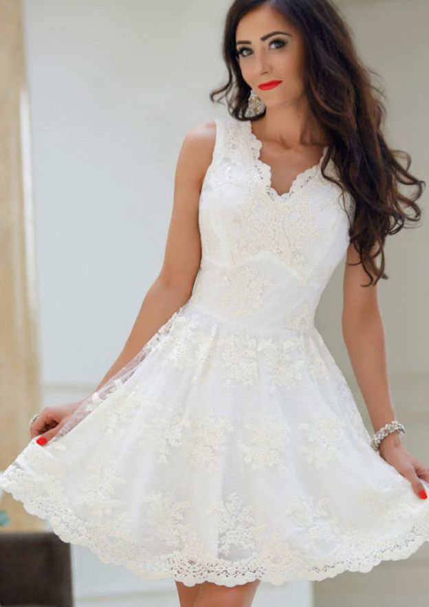 A-Line/Princess V Neck Sleeveless Short/Mini Lace Prom Dress