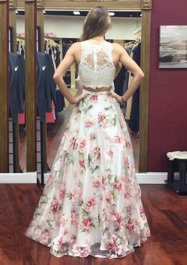 A-Line/Princess Scoop Neck Sleeveless Long/Floor-Length Tulle Prom Dress With Lace