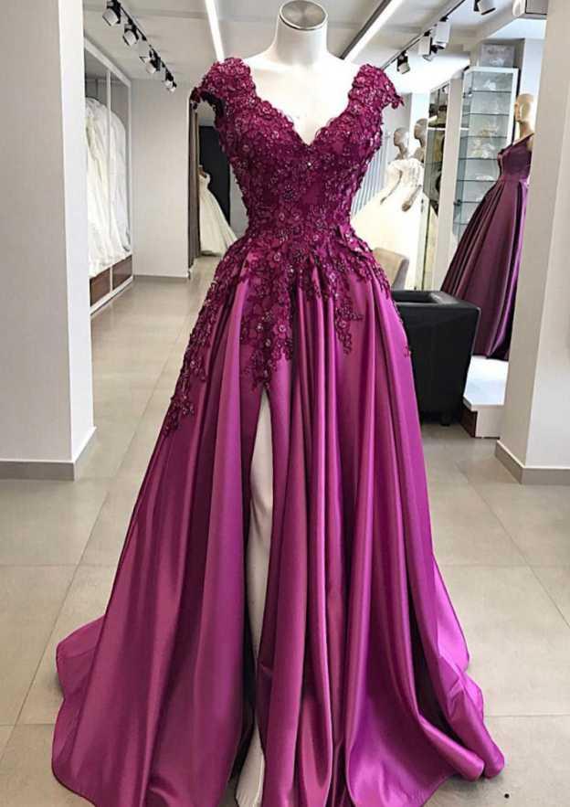 A-Line/Princess V Neck Sleeveless Long/Floor-Length Charmeuse Prom Dress With Appliqued Beading Split