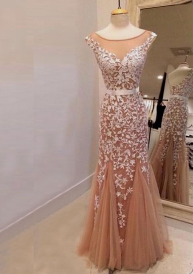 Sheath/Column Bateau Sleeveless Court Train Tulle Prom Dress With Appliqued