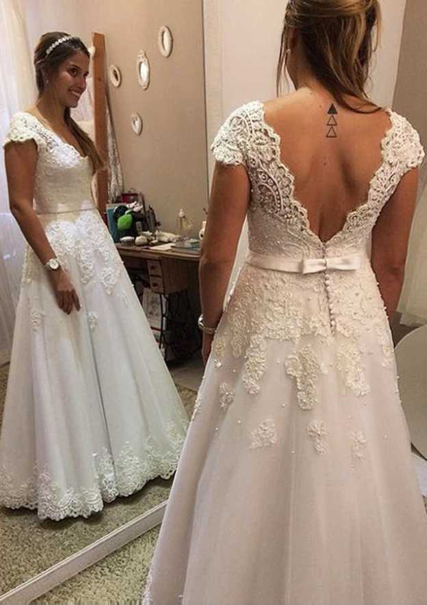 A-Line/Princess Scalloped Neck Sleeveless Long/Floor-Length Tulle Wedding Dress With Appliqued Lace Hem