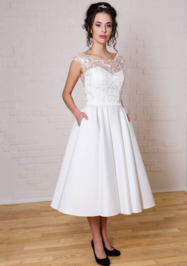 A-Line/Princess Bateau Sleeveless Tea-Length Satin Wedding Dress With Lace