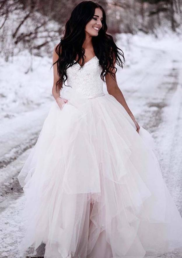 A-Line/Princess V Neck Sleeveless Asymmetrical Tulle Wedding Dress With Lace