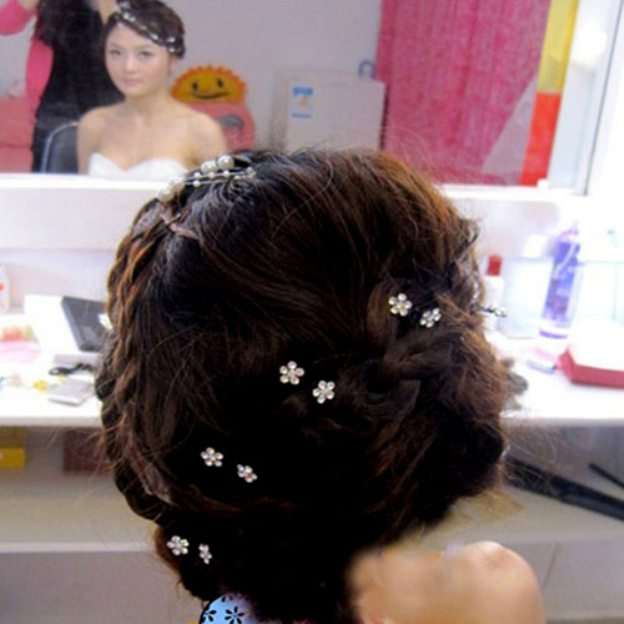 Rhinestone Ladies Hair Clip With Flower