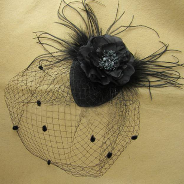 Net Yarn Ladies Fascinators With Flower