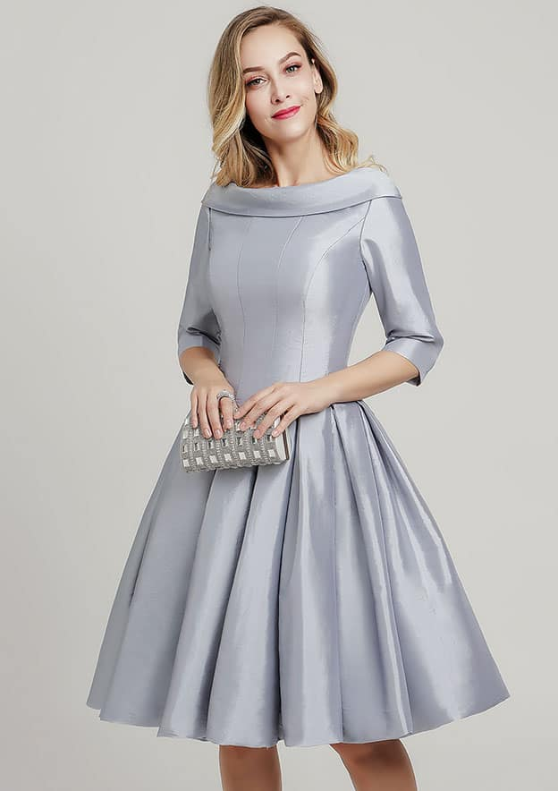 A-line/Princess Scoop Neck 3/4 Sleeve Knee-Length Taffeta Mother of the Bride Dress With Pleated