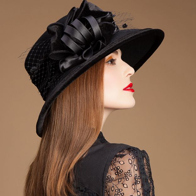 Ladies' Glamourous/Eye-catching Wool Bowler/Cloche Hats With Tulle Flower