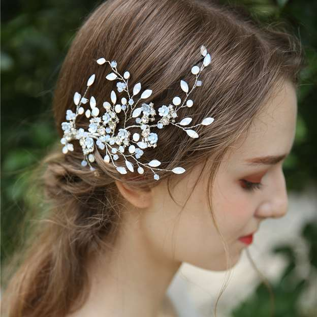 Ladies Beautiful/Amazing Alloy/Crystal/Rhinestone With Flower Hairpins (Sold in single piece)