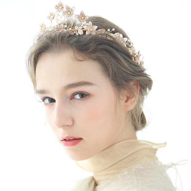 Ladies Beautiful/Eye-catching Alloy/Imitation Pearls With Flower/Crystal Tiaras