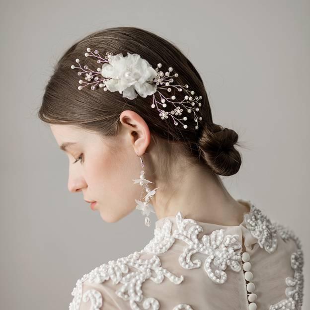 Ladies Freshwater Pearl With Flower Venetian Pearl/Rhinestone Combs & Barrettes