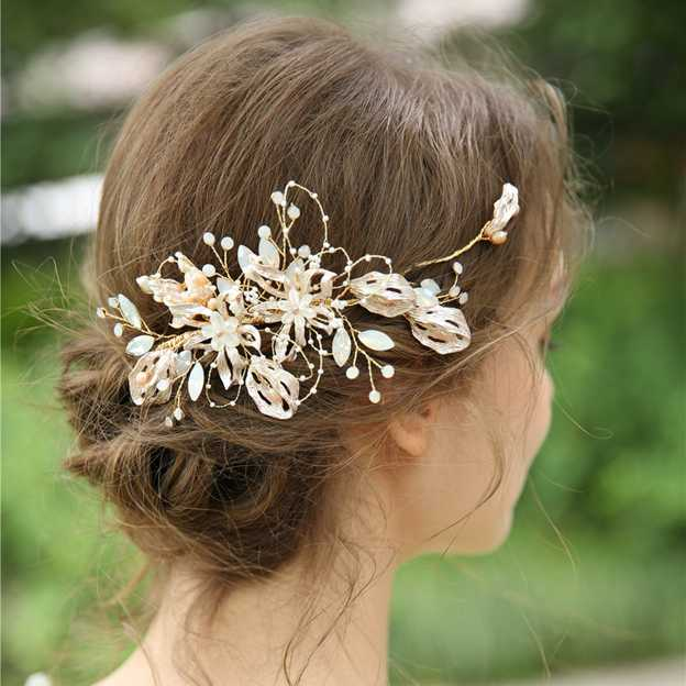 Ladies Glamourous/Beautiful Alloy/Beads/Rhinestone With Flower Combs & Barrettes