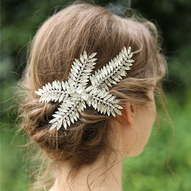 Ladies Glamourous/Eye-catching Crystal Hairpins (Sold in single piece)