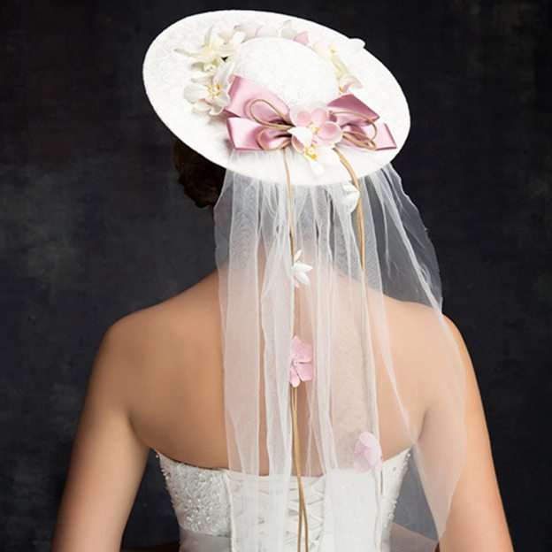 Ladies' Charming/Elegant/Beautiful Net Yarn Cambric Fascinators With Flower Lace