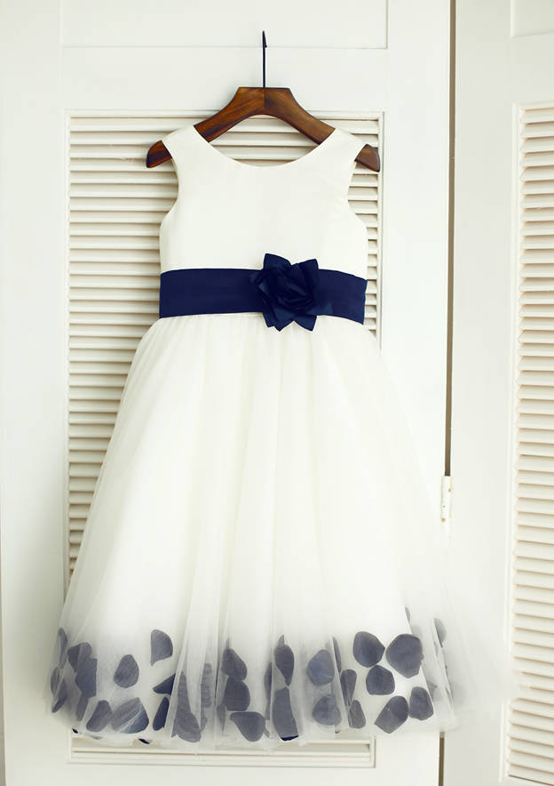 A-line/Princess Knee-Length Scoop Neck Tulle Flower Girl Dress With Flowers