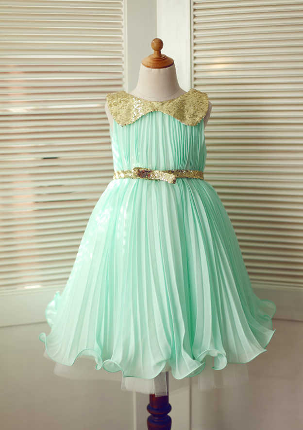 A-line/Princess Knee-Length Scoop Neck Chiffon Flower Girl Dress With Pleated/Sequins