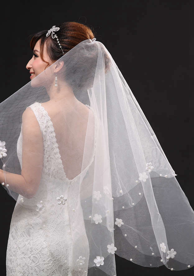 Two-tier Tulle Fingertip Bridal Veils With Applique/Beading