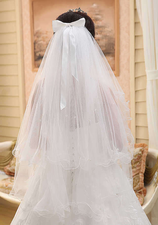 Four-tier Ribbon Edge Tulle Fingertip Bridal Veils With Ruffles/Bowknot