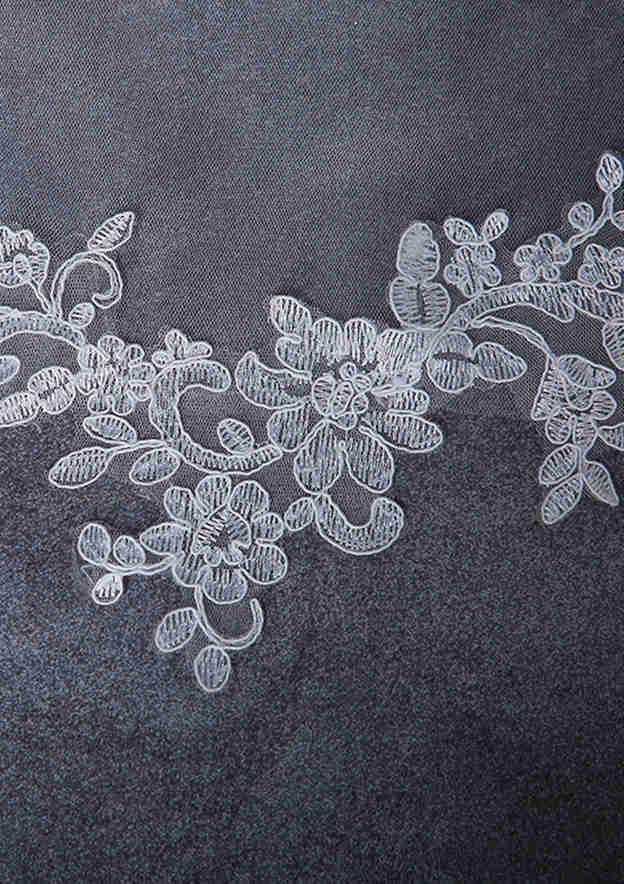 One-tier Lace Applique Edge Tulle Chapel Bridal Veils