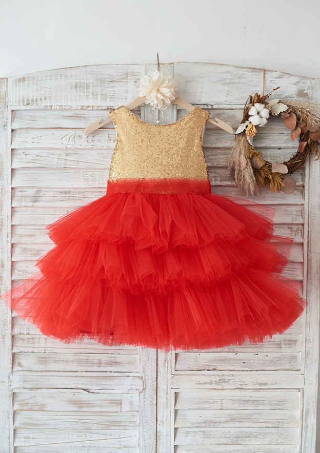 Ball Gown Knee-Length Scoop Neck Tulle/Sequined Flower Girl Dress With Bowknot